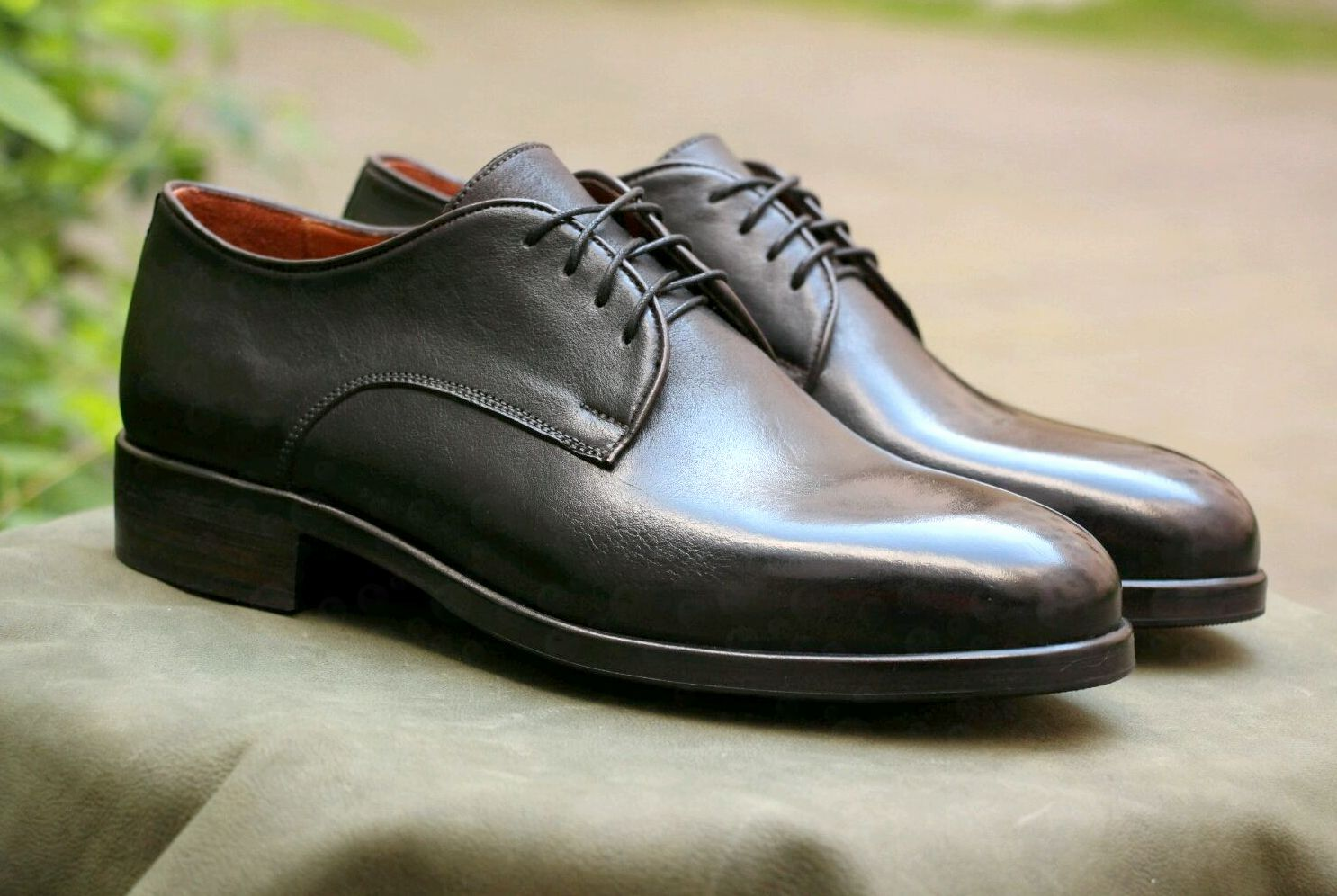 Черные туфли ручной работы