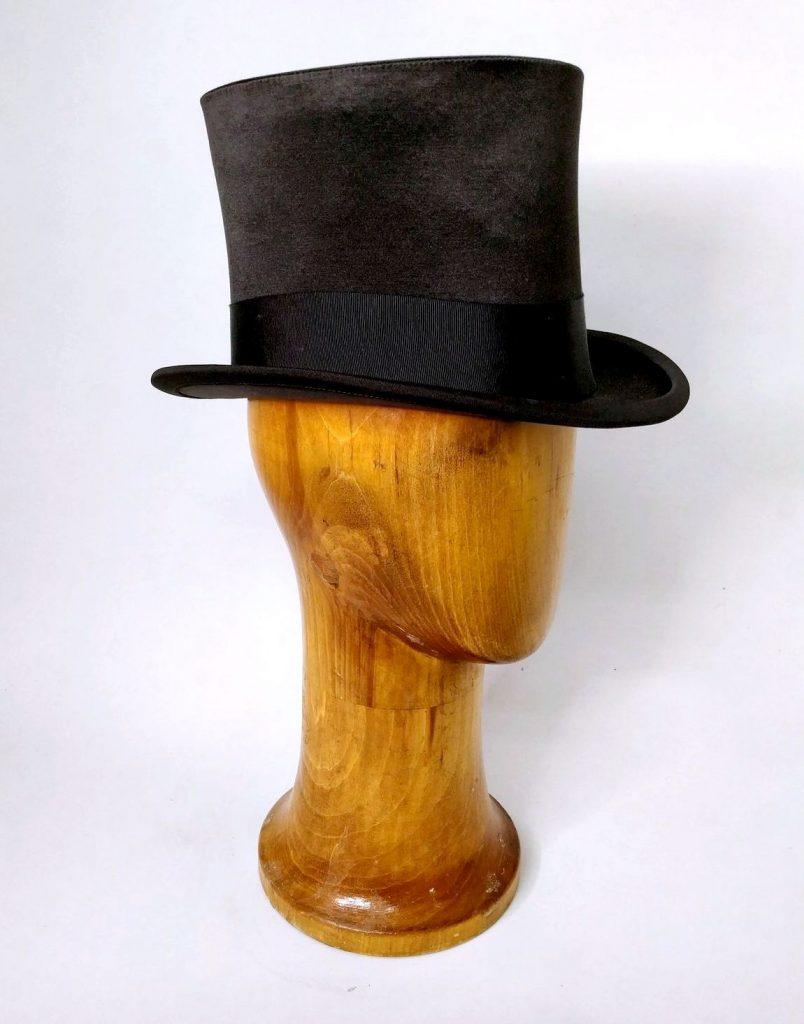 Шляпа цилиндр-признак аристократии 19 века