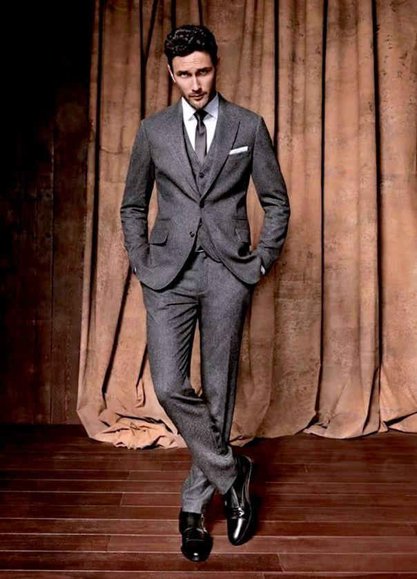 Стильный мужской классический костюм