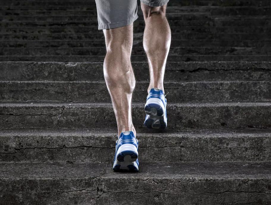 ходьба по ступенькам на икры ног