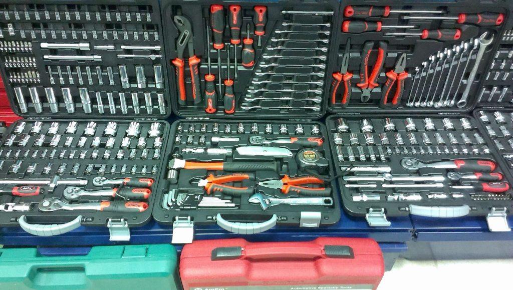 разные наборы инструментов