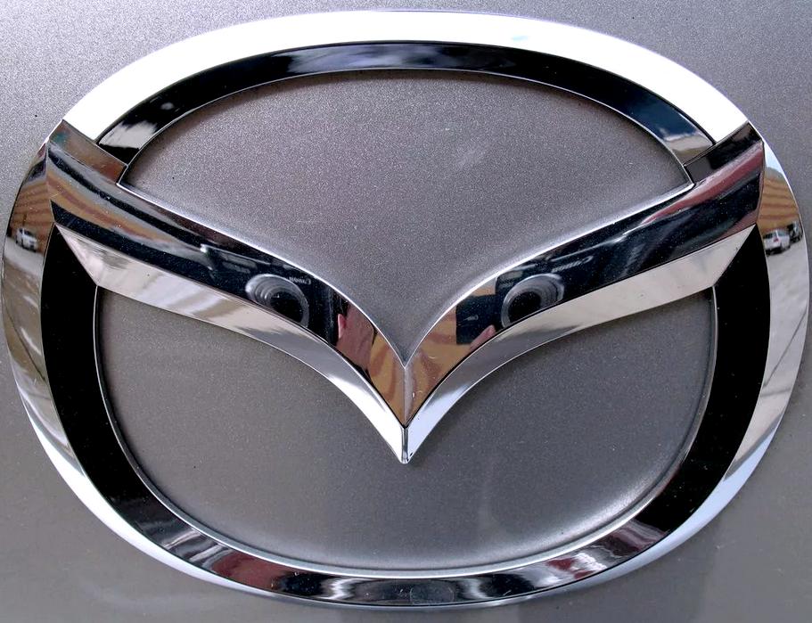 машины с крыльями Mazda