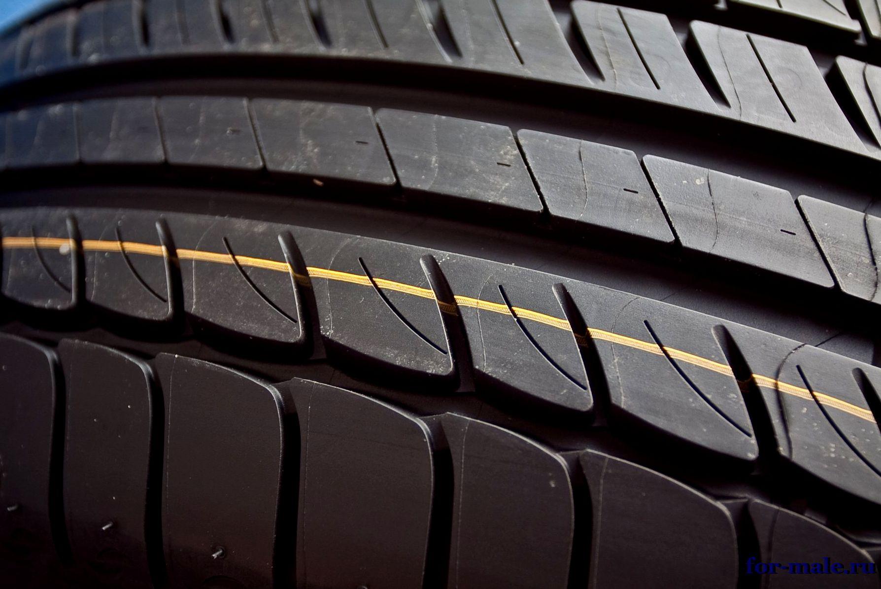 Жёлтая полоска на шинах